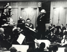 Kurt Singer Conducting